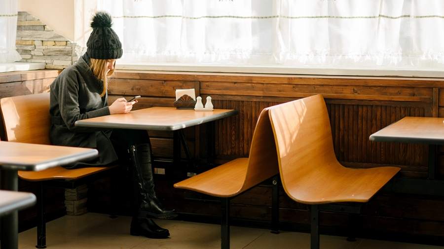 texting_alone